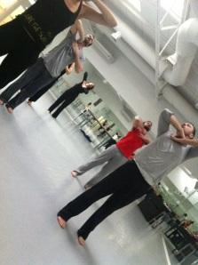 Alfonso y Chema en clase de danza contemporánea.