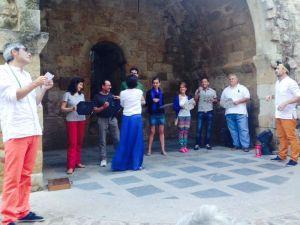 Algunos voluntarios en La Cueva de Salamanca. Alfpache Producciones.