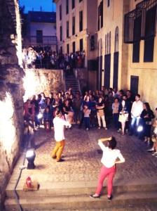 Público en Cueva de Salamanca